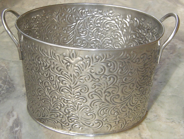 110 081 STEEL EMBOSSED PLANTER
