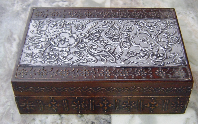 NA 242 WOODEN EMBOSSED WORK BOX