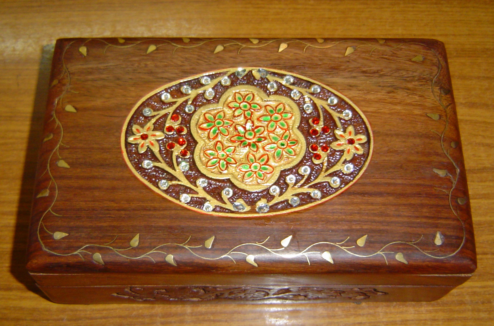 130031 Sheesham Wood carving and decorative box