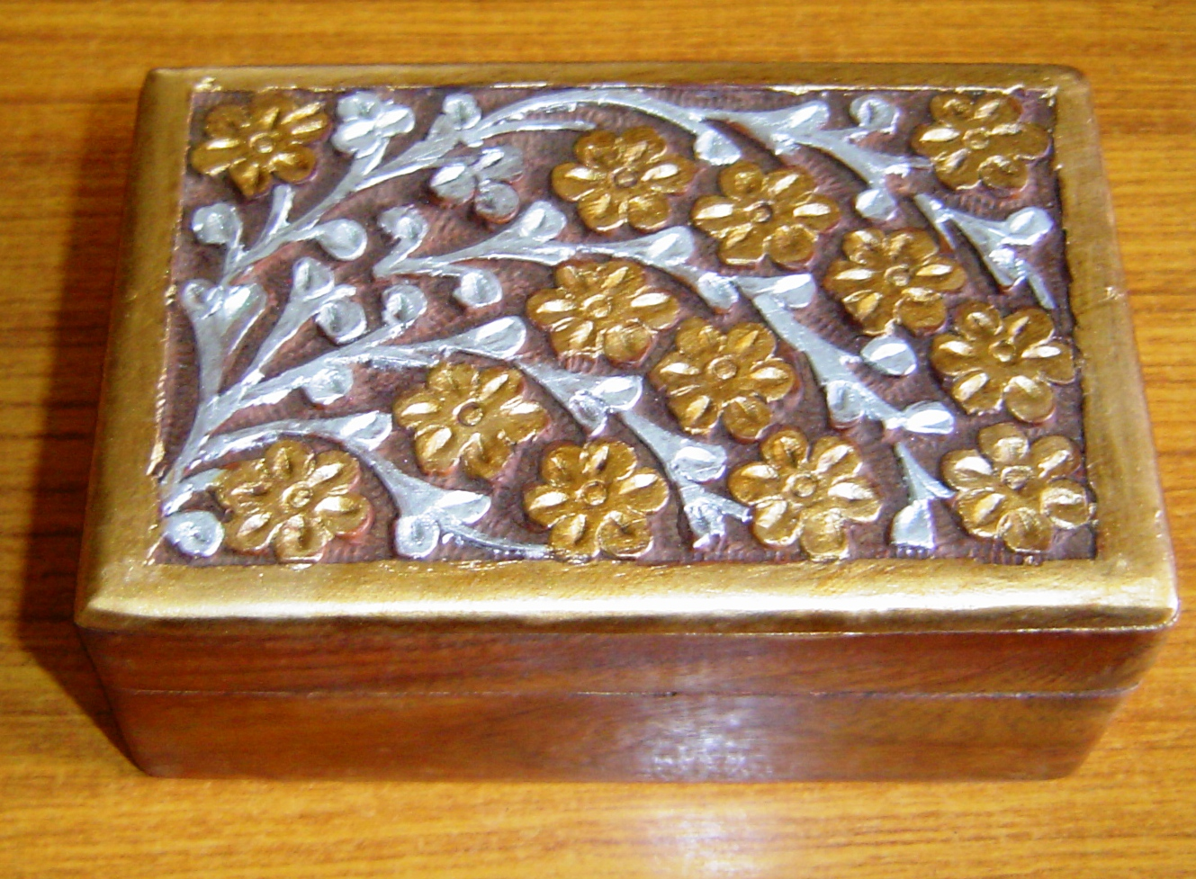 130057 Sheesham Wood carving and decorative box